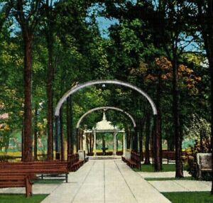 Highland-Park-Meridian-MS-Vintage-Postcard-P100