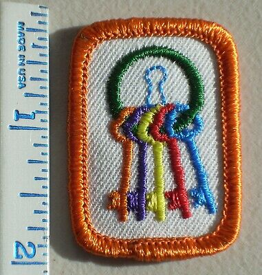 Girl Scout 1981-1996 Senior FASHION FITNESS MAKEUP Interest Project Patch Badge