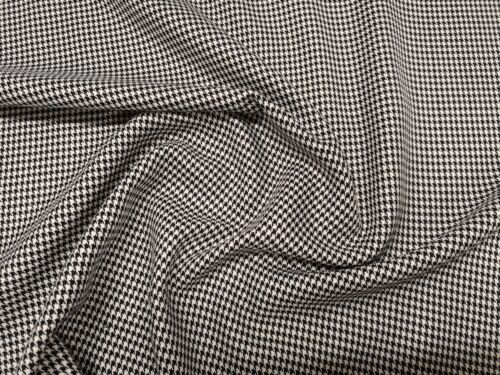"""150cm Houndstooth // Dog Tooth PolyViscose Suiting Fabric 59/"""" Wide -per metre"""