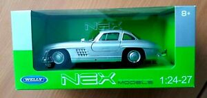 Welly-MERCEDES-BENZ-300-SL-AUTO-argento-1-24