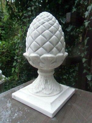 Steinfiguren Pinienzapfen H.27 cm Steinguss Pfeilerabdeckung Pfeilerschmuck