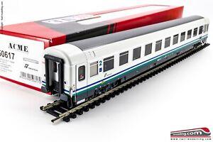 ACME-50617-H0-1-87-Carrozza-passeggeri-Tipo-Z-di-2a-classe-livrea-IC-Trenit
