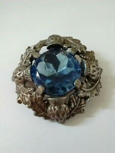 Vintage-Signed-Miracle-Blue-Glass-Silver-Tone-Thistle-Scottish-Brooch-Kilt-Pin