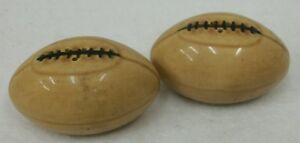 Vintage-Pottery-Football-Salt-and-Pepper-Shakers