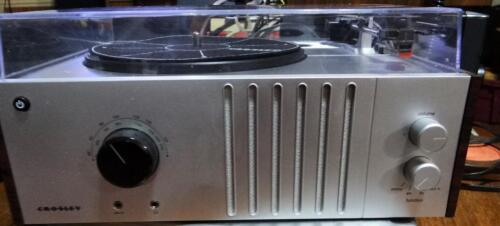 1 Of 1   Crosley Player Turntable AM FM Stereo