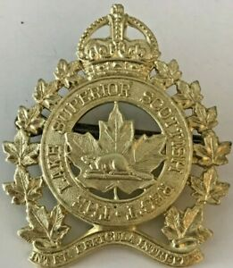 WWII-Canada-The-Lake-Superior-Scottish-Regiment-Cap-Badge-with-Kings-Crown-WWII