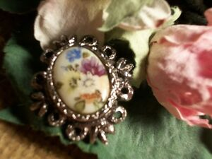 Victorian-Brooch-Porcelain-Floral-Cabochon-Pin-VTG-Jewelry-Mothers-Day-Gift