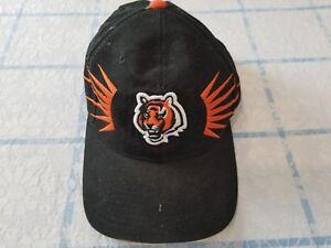 151b2ef59f8 Image is loading Vintage-Cincinnati-Bengals-Starter-Pro-Line-Strapback-Cap-