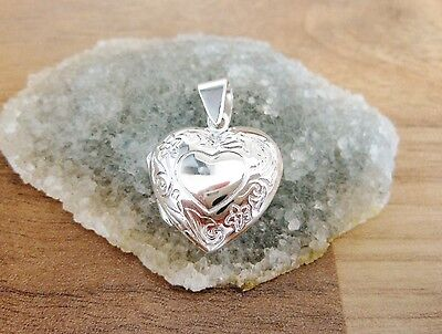 925 Sterling Silver - Medium Heart Shaped Locket Pendant With Engraved Heart Modern Und Elegant In Mode