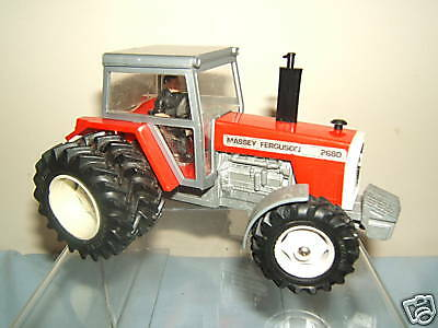 BRITAINS MODEL No. 9517 MASSEY FERGUSON 2680 DOUBLE WHEEL TRACTOR