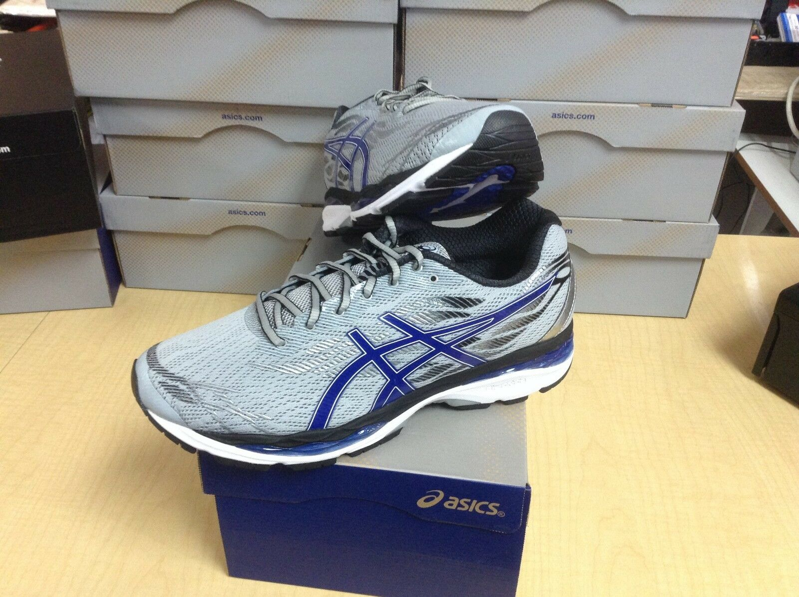 MEN'S ASICS - GEL-ZIRUSS (T7J1N-9645) - SIZE 8.5 - 40% OFF