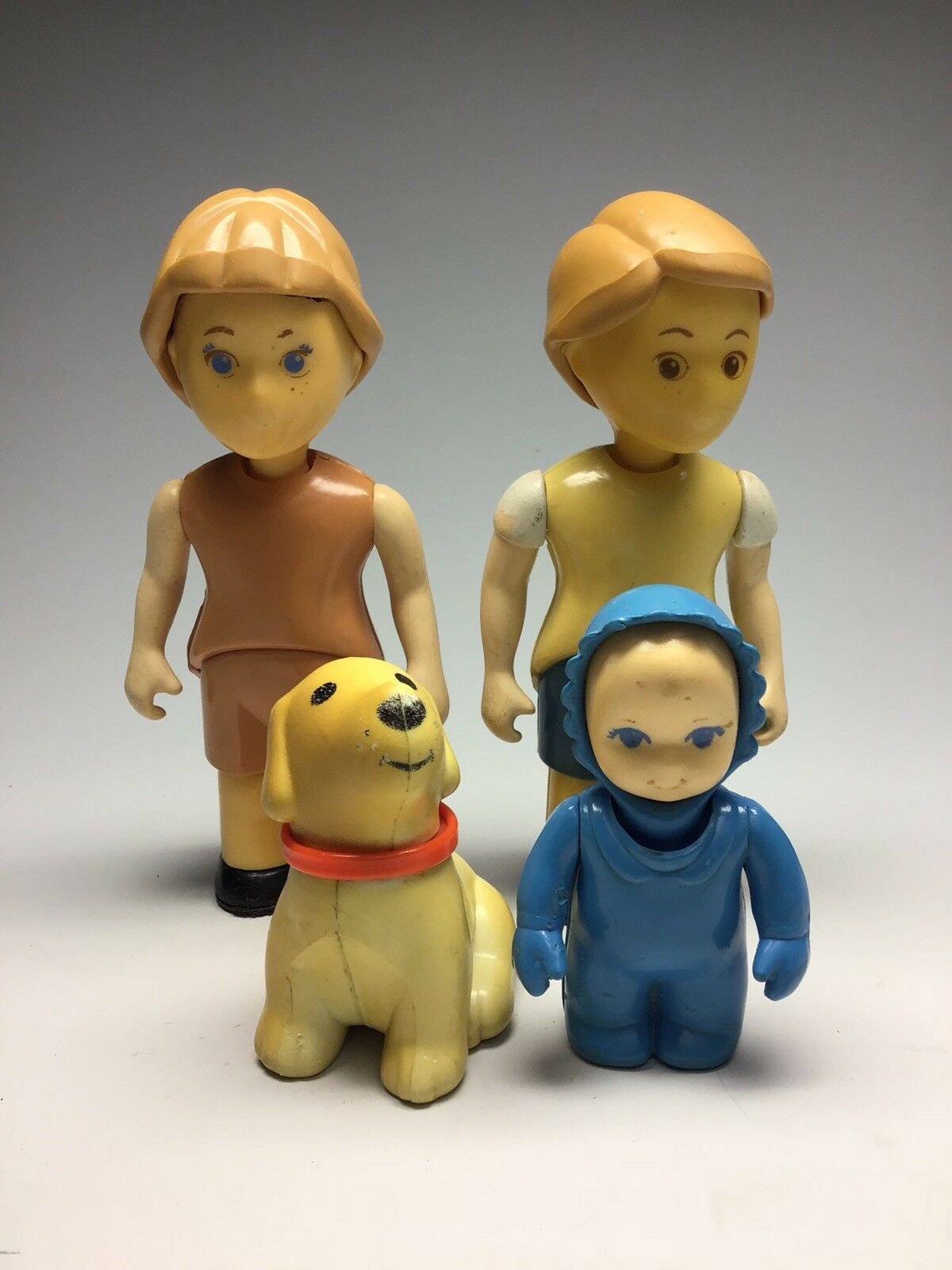 Little Tikes Dollhouse Family Figures Baby  Dog  Bredher  Sister