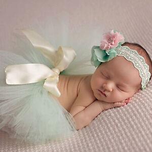 Fotoshooting-Neugeborene-Baby-Kostuem-Tuetue-Stirnband-Foto-Shooting-tuerkis