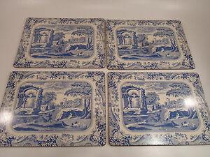 Set-Lot-of-4-Vintage-Chinese-or-Italian-Pattern-Placemats-w-Cork-Back