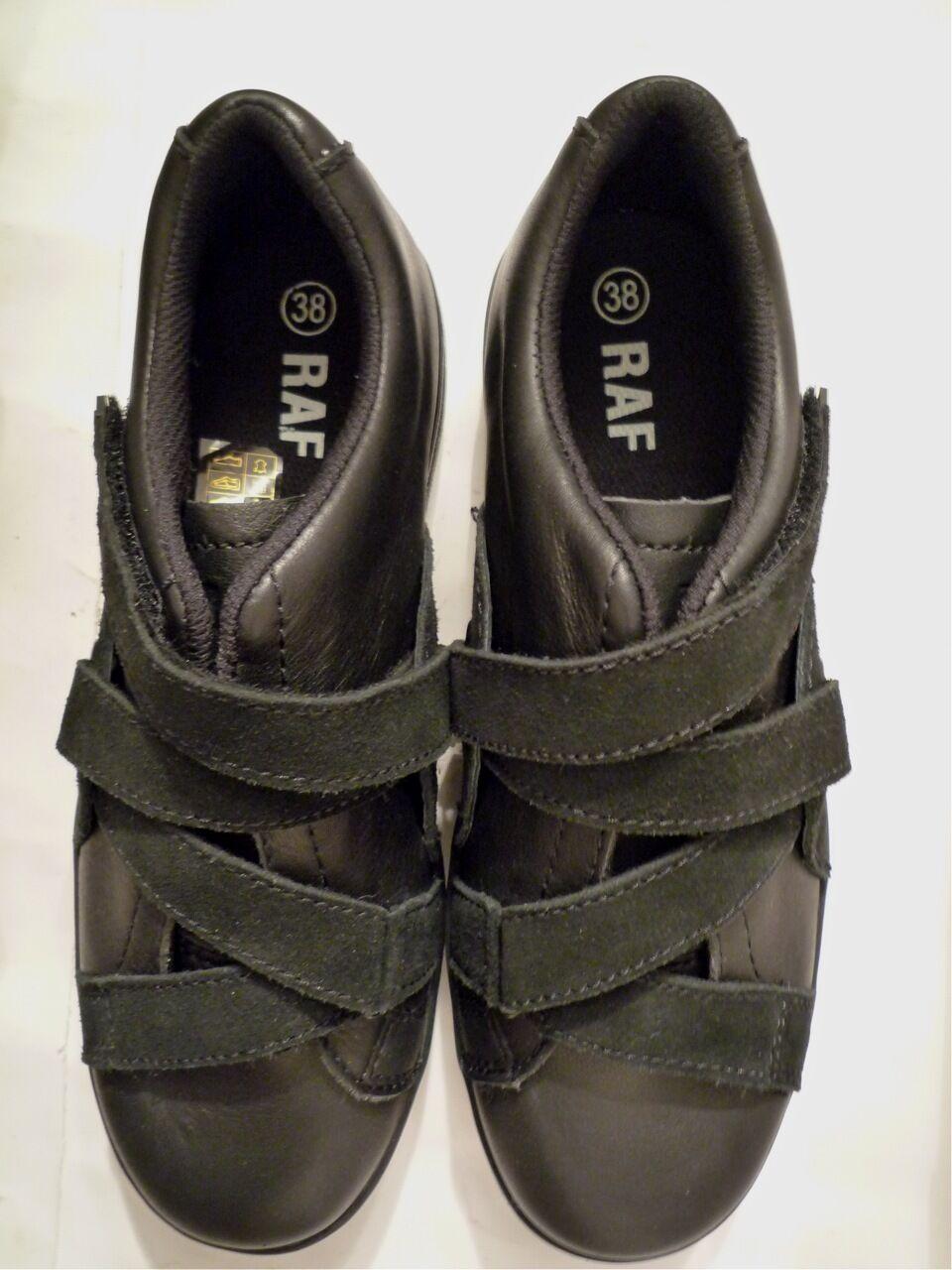 si affrettò a vedere RAF RAF RAF BY RAF SIMONS nero SUEDE and LEATHER STRAPPED scarpe da ginnastica EU 38  100% nuovo di zecca con qualità originale