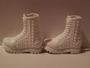 BARBIE DOLL WHITE  BOOTS