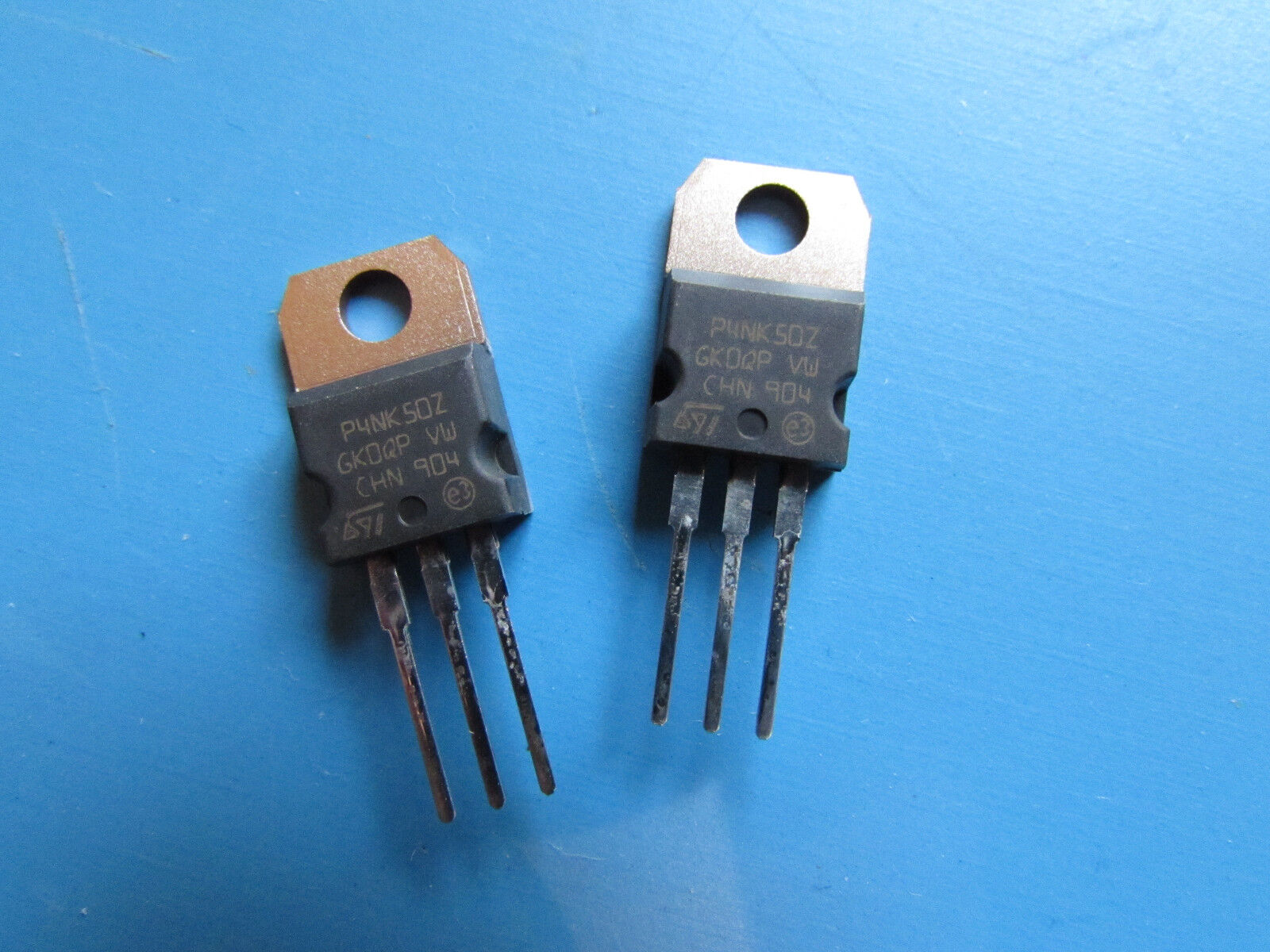 100 SMD Widerstand 1,1KOhm RC0805 1//8W chip resistors 0805 1,1K 0,125W 1/% 076975