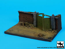 Black Dog 1:72 Wall With Gate (150x90 mm) Diorama Base #D72024