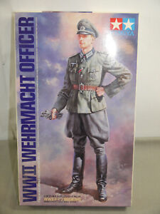 Tamiya-36315-WWII-Armed-Forces-Officer-1-16-K12