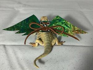 Dragon-Wings-and-Things-Bearded-Dragon-Harness-Juvenile-or-Gecko-Size