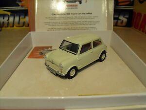 Scalextric C2980a Mini, modèle limité 50 ans, modèle Ed, tout neuf dans la boîte.