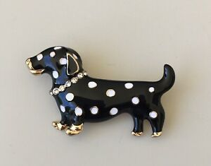 Adorable-polka-Dot-Dachshund-dog-brooch-enamel-gold-tone-metal