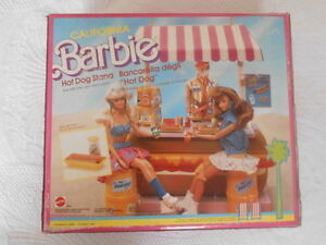 CALIFORNIA-BARBIE-HOT-DOG-STAND-MATTEL-1987-MADE-IN-ITALY
