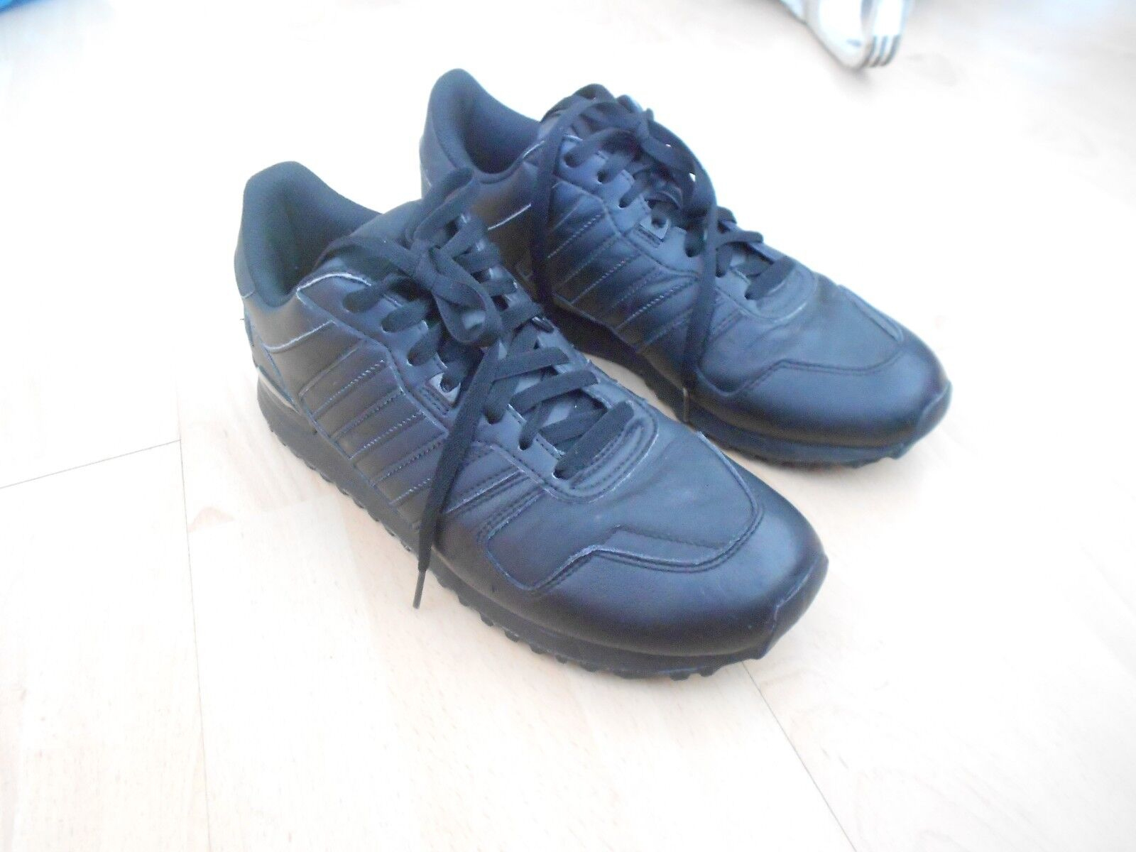 ADIDAS ORIGINALS ZX 700  TRAINERS - UK SZ 9.5 - IN A GOOD CONDITION  great offers