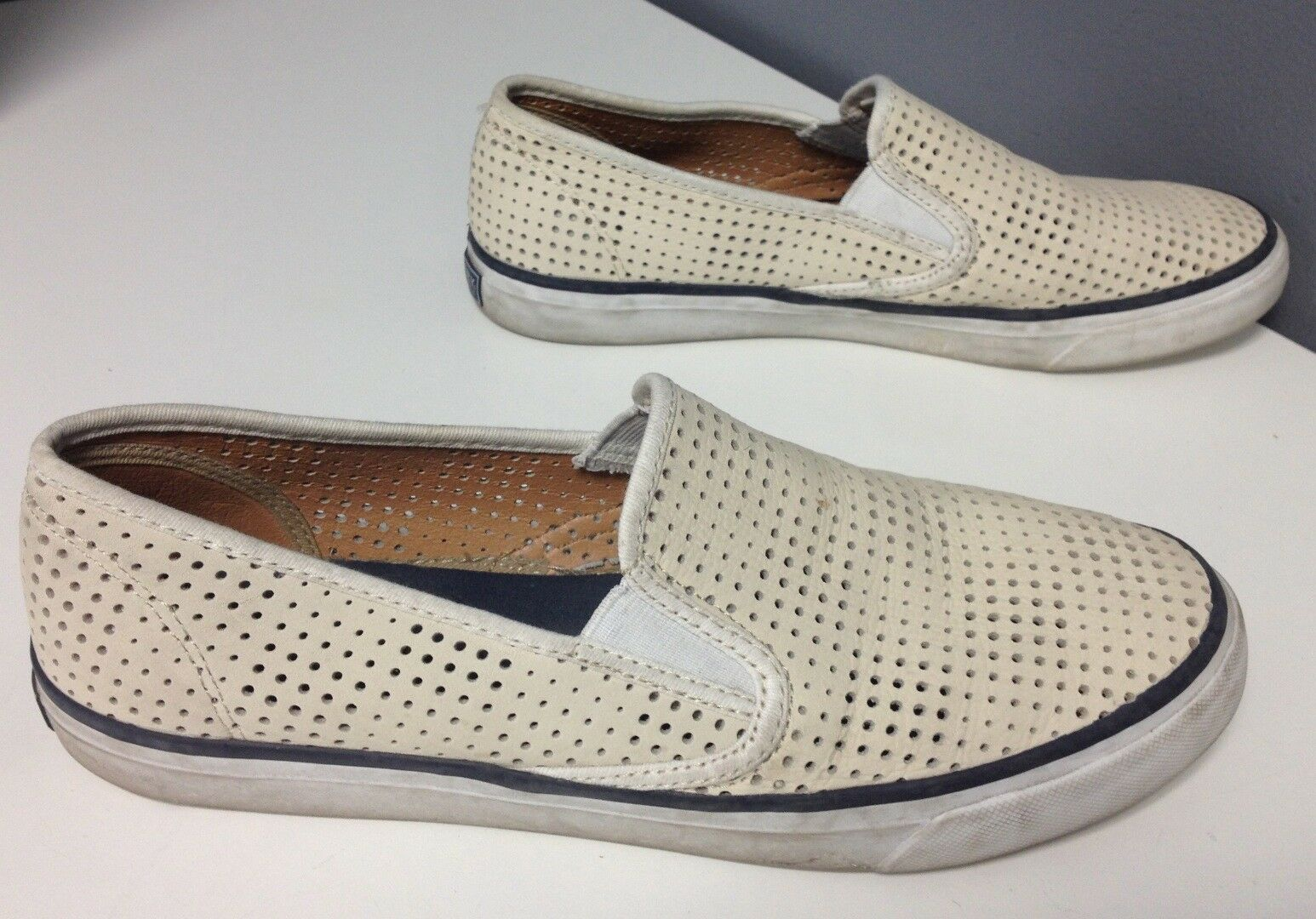 SPERRY TOP SIDER WEISS Perforated Leder Slip On Casual Loafers Sz 9.5 B4144