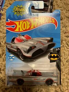 2019-Hot-Wheels-TV-Series-Batmobile-Batman-Series-Brand-New-Near-Mint