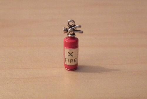 Casa de muñecas en miniatura de metal de mano extintor Cocina Chimenea lgw
