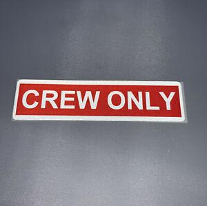 Crew-Only-Aufkleber-rot-weiss-reflektierend-Sticker-neu-Premium