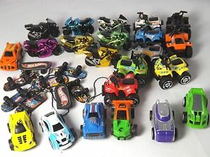 Selection-of-8-Hot-Wheels-Toys-Bikes-Cars-Skateboards-amp-Quads-Party-Bag-Toys