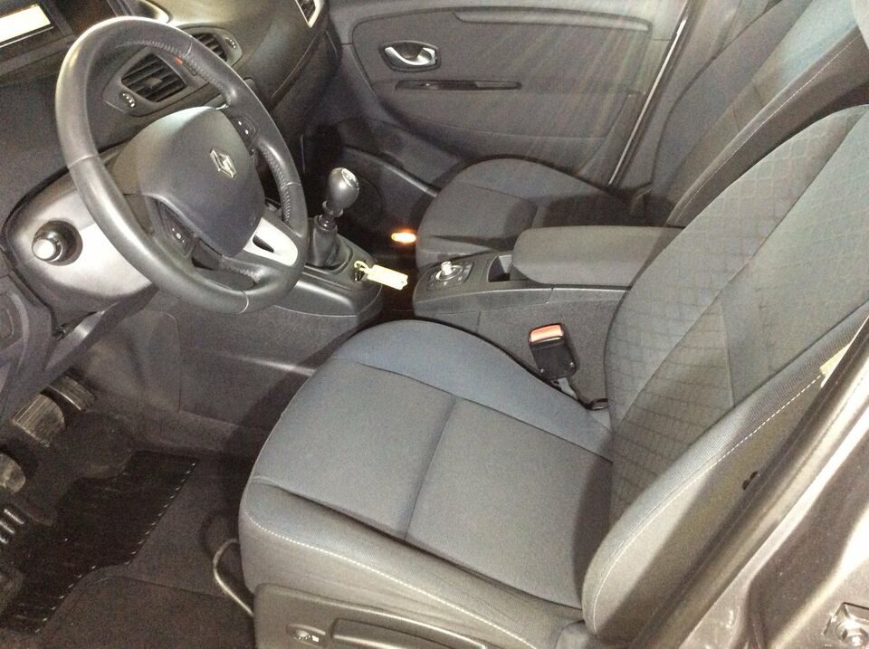 Renault Grand Scenic III 1,9 dCi 130 Dynamique 7prs Diesel