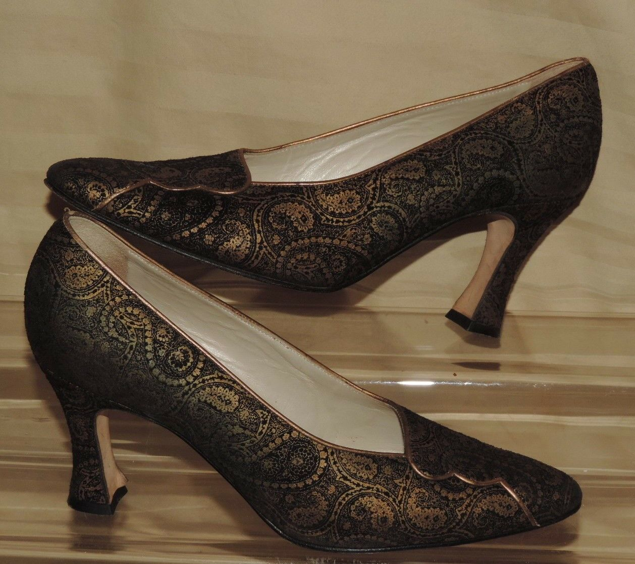 BALLY 7 M 'Gemini' Paisley Leather 3.5  High Heel Pump Made in
