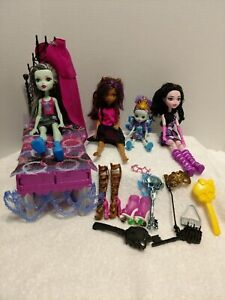 Monster-High-Mattel-Barbie-Dolls-w-Bed-amp-accessories-amp-Enchantimals-Peacock-Doll