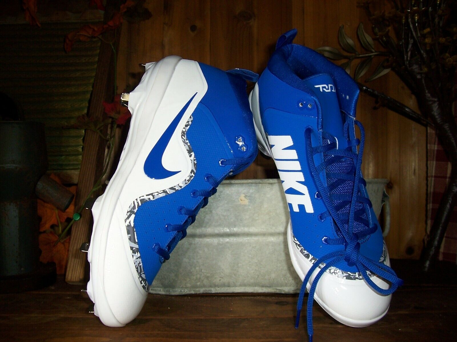 NIKE MENS ANKLE TOP FOOTBALL CLEATS SHOES SIZE 9.5 blueE WHITE SPORTS SHOES NEW