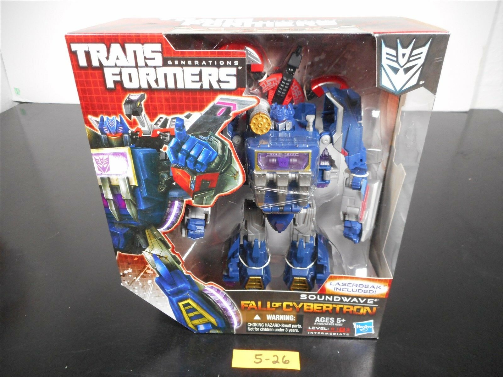NEW SEALED  TRANSFORMERS GENERATIONS FALL OF CYBERTRON FOC SOUNDWAVE FIGURE 5-26