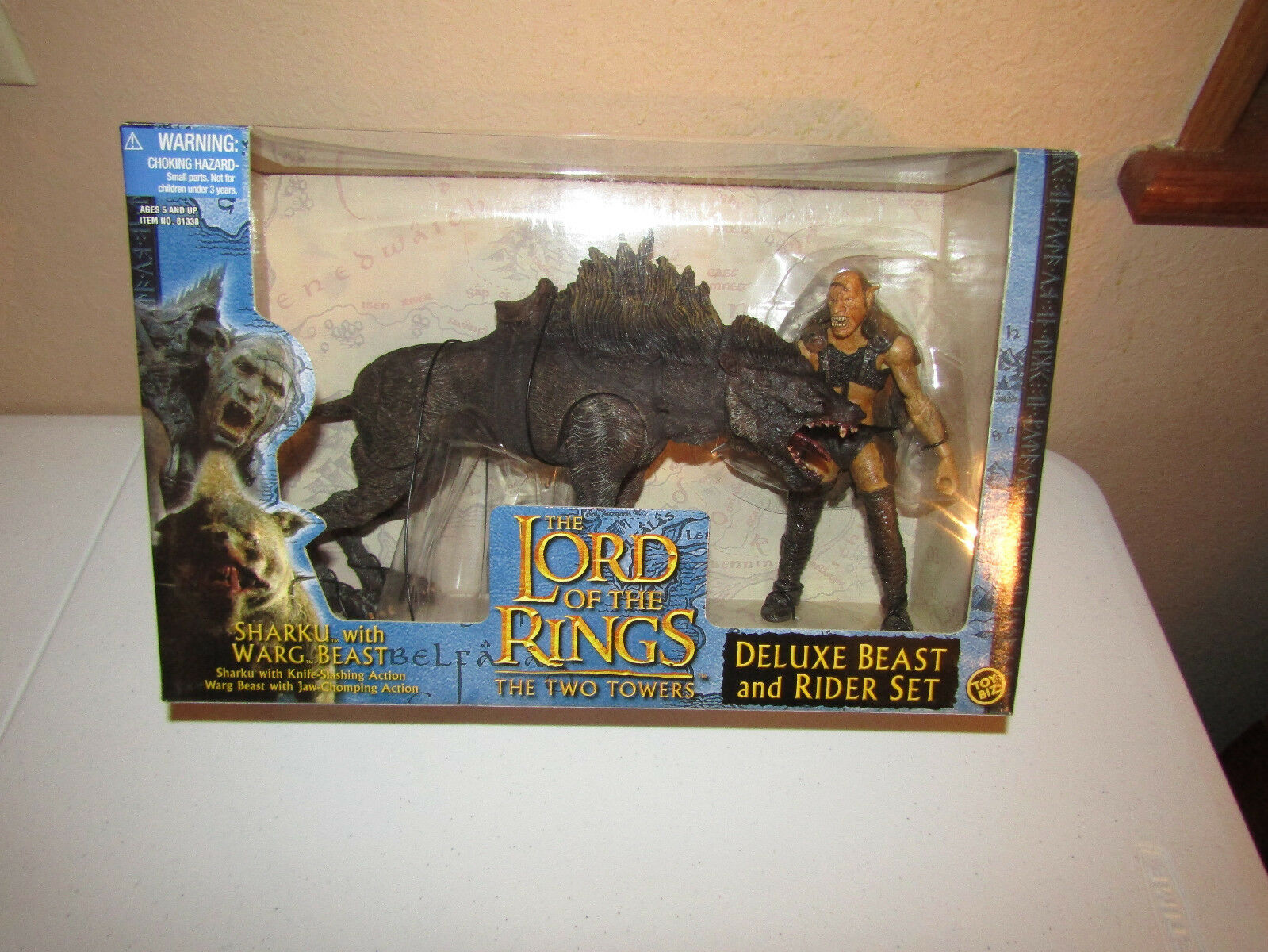 Lord Warg of the Rings Two Towers Sharku and Warg Lord Deluxe Set fae69b