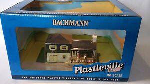 Bachmann-HO-Built-Up-Model-SPLIT-LEVEL-HOUSE-BAC45005