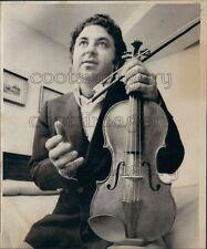 1976 Press Photo Violinist Sergiu Luca Holds Nicola Amati Violin