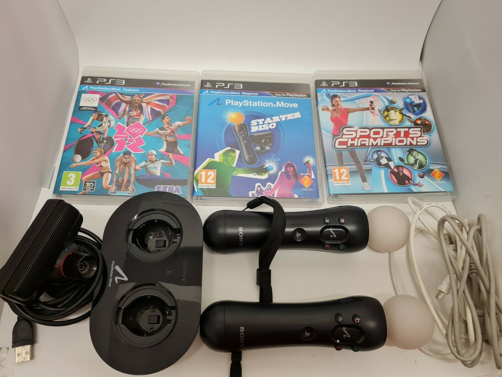Sony Playstation Move PS3 Two Controlers, Camera and 3 Games