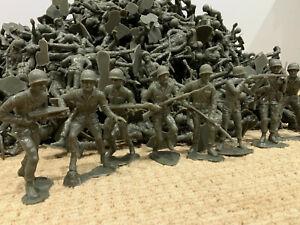 Lot-of-20-Vintage-1963-Giant-Jumbo-Large-6-034-Green-Plastic-Army-Men-Figures