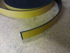 RUBBER STRIP Autoadesivo supportato 25 mm x 2.5 mm x 1m ROLL