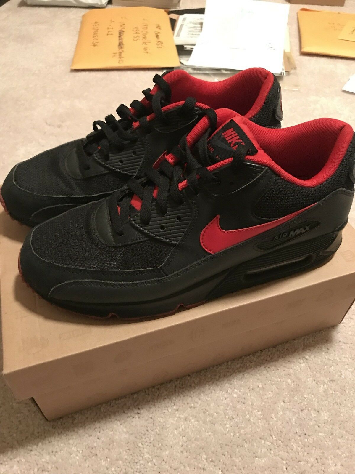 NIKE AIR MAX 90 RARE BLACK-UNIVERSITY RED-ANTHRACITE-GREY SZ 10.5-325018-069-