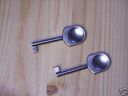 3  x  Möbelschlüssel Schrankschlüssel glänzend