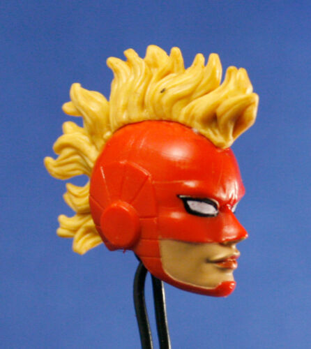 MARVEL LEGENDS HASBRO CAPITAINE MARVEL Factory painted head LOOSE Custom fourragères