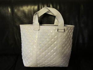 AUTH-NEW-MARC-JACOBS-QUILT-WHITE-FAUX-LEATHER-TOTEBAG