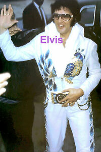 ELVIS-PRESLEY-IN-PEACOCK-SUIT-PHILADELPHIA-PA-PHILLY-6-23-74-PHOTO-CANDID