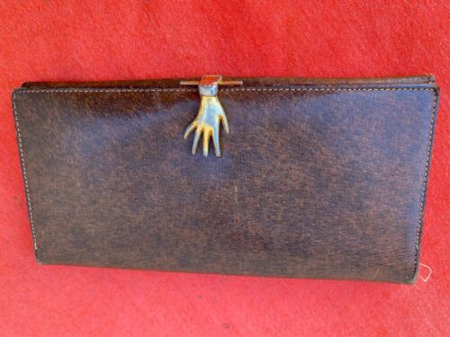 GUCCI 70's VINTAGE LEATHER WALLET WITH HAND CLASP - image 1